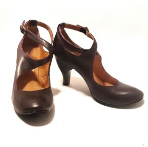 ♥️Coclico Brown Crossover Heels